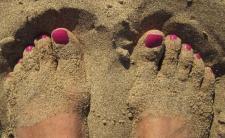 Piękne stopy na wakacje - nie daj się halluksom