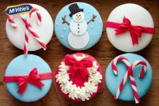 Pomysł na świąteczne dekoracje – własnoręcznie ozdabiane ciasteczka McVitie's Digestive