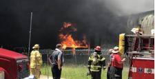 Ogromny pożar w fabryce padów podłogowych ETC