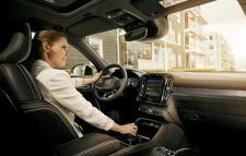 W swoim systemie multimedialnym Volvo zintegruje funkcje Google Assistant, Play Store oraz Maps
