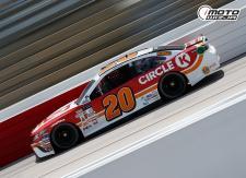 WYŚCIG MONSTER ENERGY NASCAR Z TORU W RICHMOND TYLKO W MOTOWIZJI!