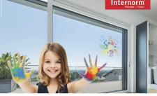 Trwa akcja specjalna Internorm: powłoka szklana SolarXPlus gratis do każdego okna