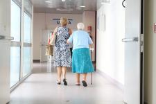 Co trzecia kobieta na świecie cierpi na osteoporozę – jak żyć z tą chorobą?