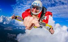 Skoki spadochronowe w tandemie – podniebna przygoda, której szybko nie zapomnisz!
