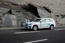 Volvo idzie od systemów bezpieczeństwa po pełną autonomię