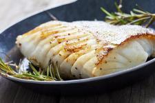 Badania alarmują – Polacy jedzą za mało ryb!