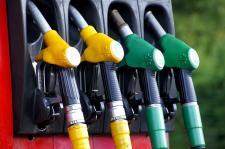 Olej napędowy – dlaczego kosztuje tak mało?