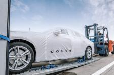 Pierwsze Volvo S90 wyprodukowane w Chinach docierają do Europy dzięki połączeniu kolejowemu