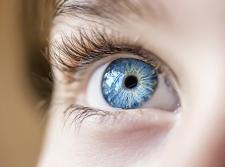 5 sposobów na zmęczone oczy – walcz z Cyfrowym Zmęczeniem Wzroku!